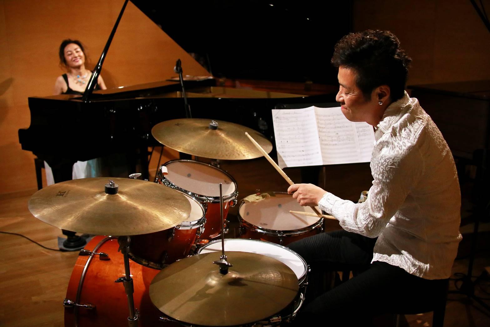中野雅子 (piano) × 中沢剛 (drums)  ライヴ